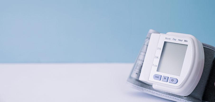 Håll koll på blodtrycket med en blodtrycksmätare
